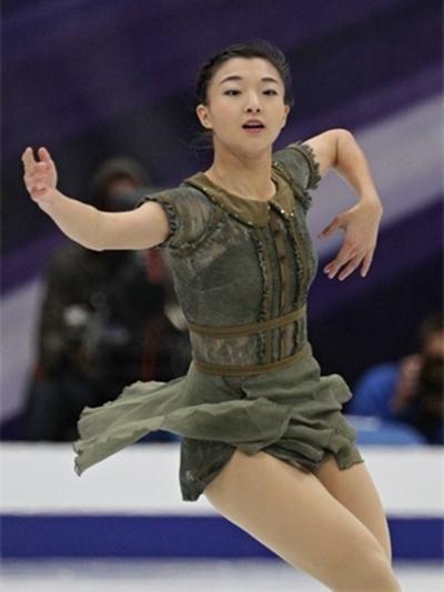坂本花織選手 ロシア杯女子フリーは悔し涙の5位!『大きなクマのぬいぐるみに隠れるようにして涙をこらえている姿に心を打たれました!』